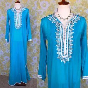 Vintage🌟70s Aqua Embroidered Caftan/Maxi Dress